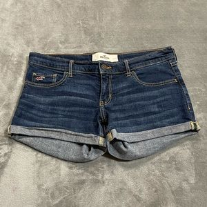 Hollister Rolled Cuff Jean Shorts!